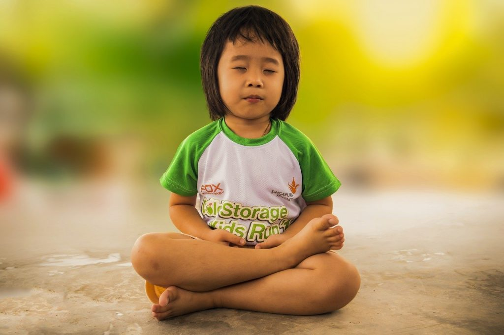 Kinder Yoga bei Martina Frietsch. Bruchsal-Untergrombach